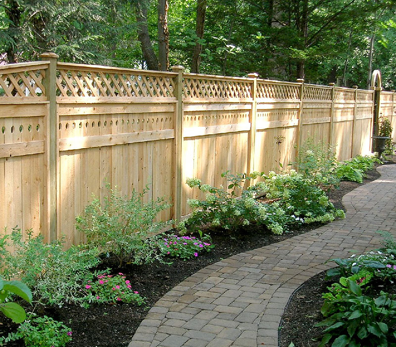 Design trends for 2014 and tips for fence building or for Wood privacy fence ideas